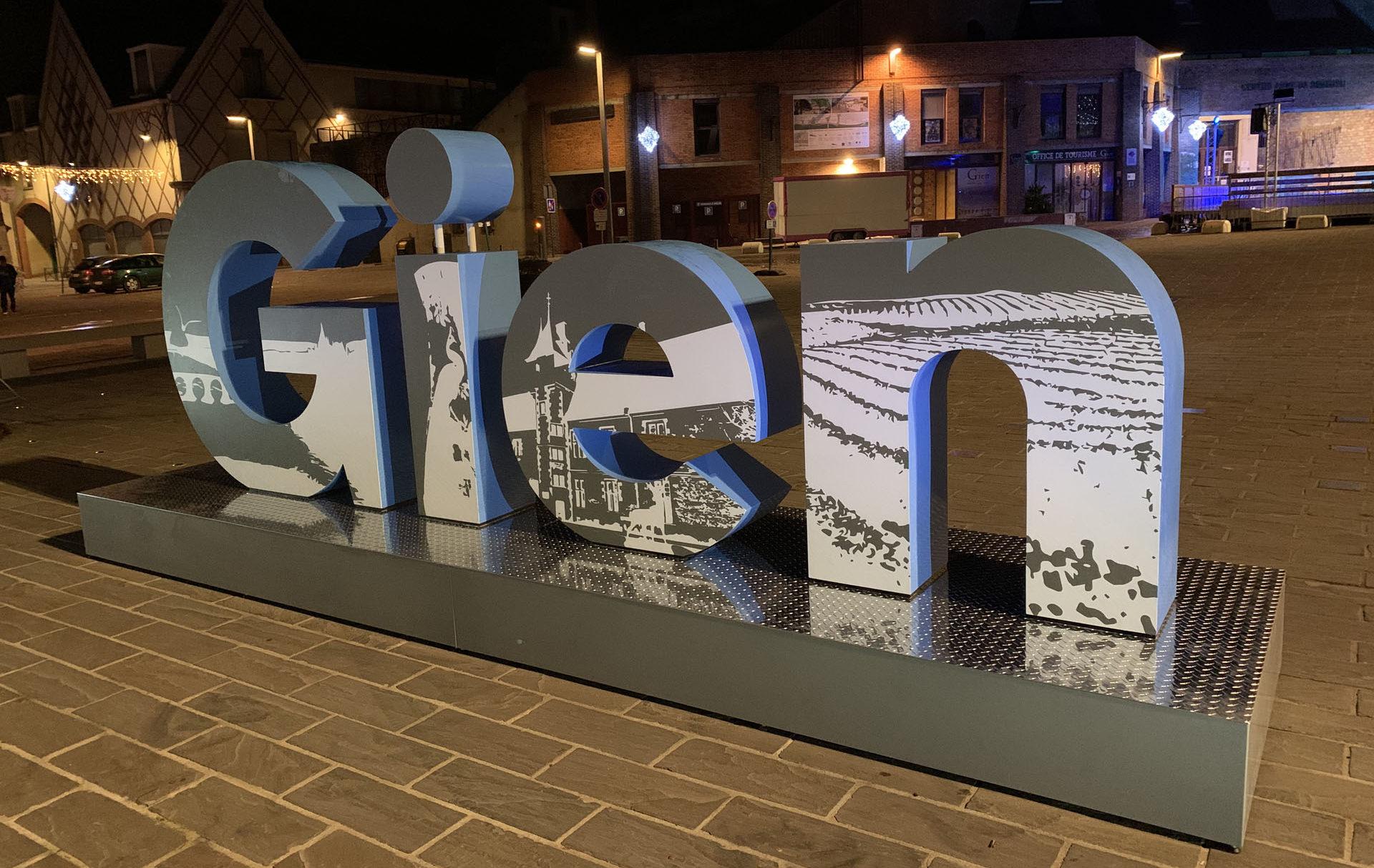 Lettres Géantes ville de Gien